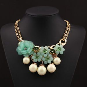 New Arrival Lady Choker Chunky Statement Bib Pendant Rose Pearl Necklace