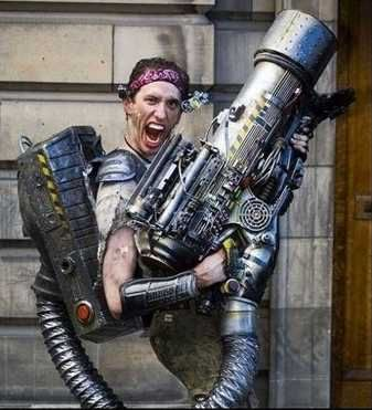 Contra cosplay?