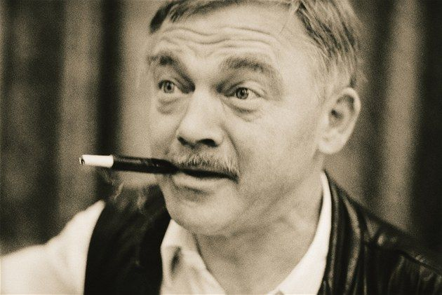 Karel Kryl was an iconic Czech singer-songwriter and performer of many protest songs in which he strongly criticized and identified the shortcomings and inhumanity of the Communist and later also post-communist regime in his home country