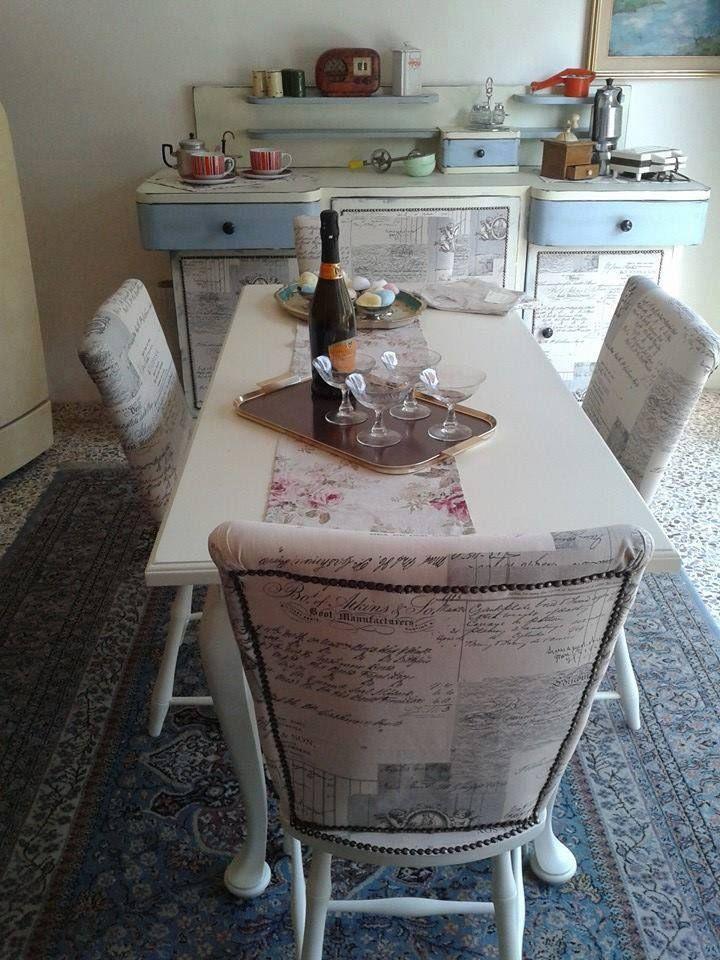Buffet vintage con tavolo e sedie rivisitate