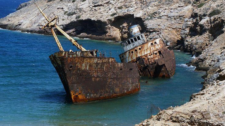 """Navi dei veleni: un'importante inchiesta ed un progetto visivo di open data ci permettono di informare e far conoscere il problema delle """"navi dei veleni"""""""