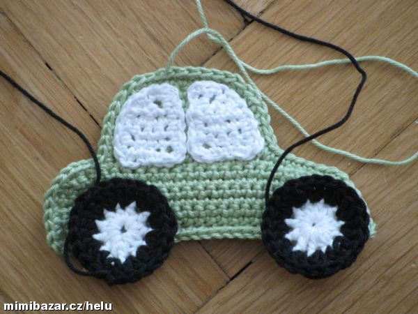 Háčkované autíčko