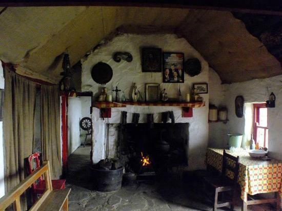 Irish Cottage Interior See More Leenane Galway Farmhouse