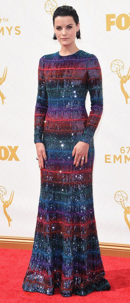 LOVED this futuristic/sci-fi-esqe dress from Jaimie Alexander at the 2015 Emmy Awards!