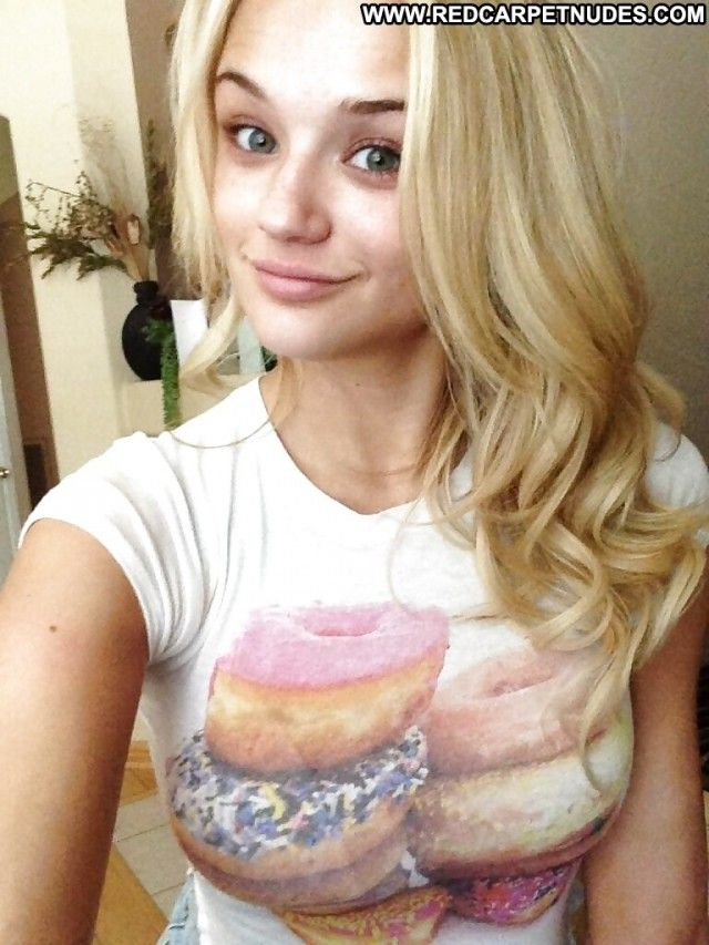 Teen Celebrity Haircut Hair Styles: Dove Cameron Pictures Teen Celebrity Female. Horny Nude