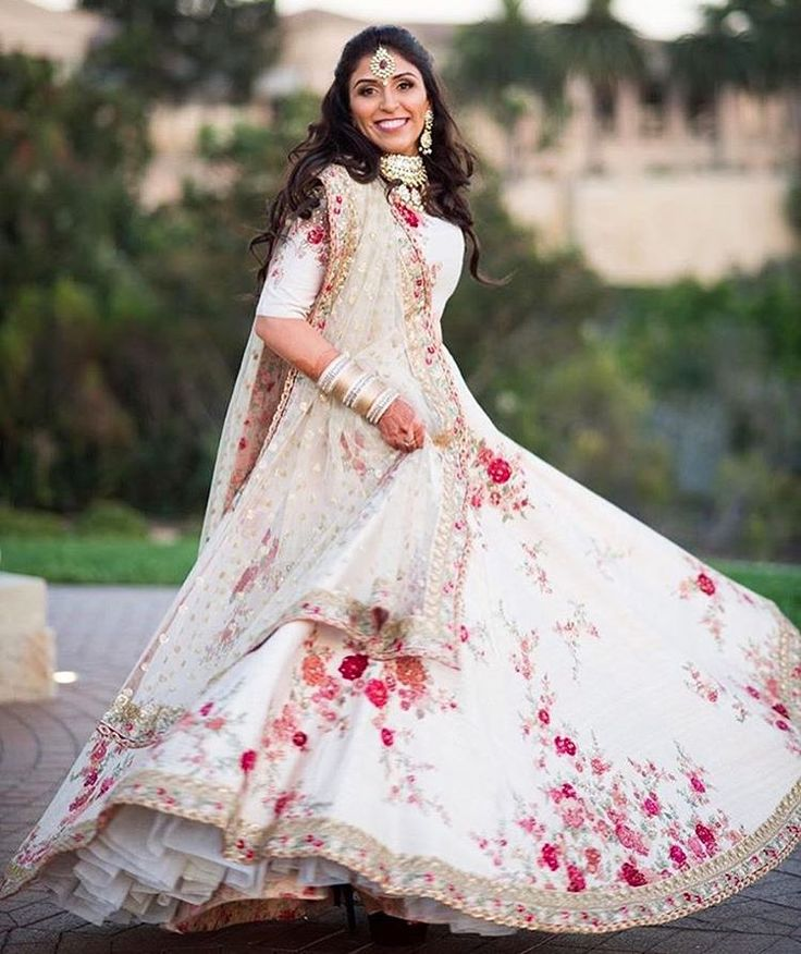 #Sabyasachi #TheSabyasachiBride #Lehenga #HeritageWeddings #DreamWeddings #California #RealBride @pujapahwa @bridesofsabyasachi #HandCraftedInIndia #RealBridesWorldwide #IncredibleIndianWeddings #DestinationWeddings #TheWorldOfSabyasachi Photograph by @johnandjoseph @pelicanhillresort