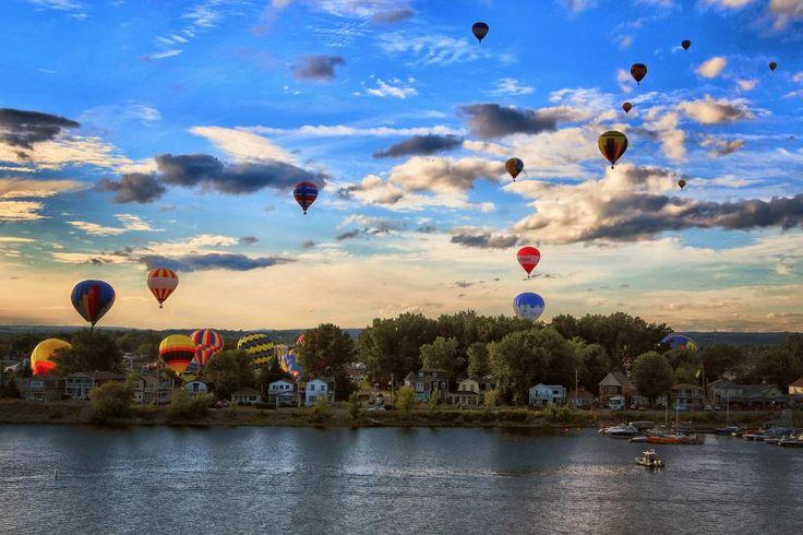 Superbe photo de la 2ème envolée d'hier par @patrickwoodbury @LeDroitca pic.twitter.com/VutZMMzM3l  #superfmg #Gatineau #montgolfieres #ledroit