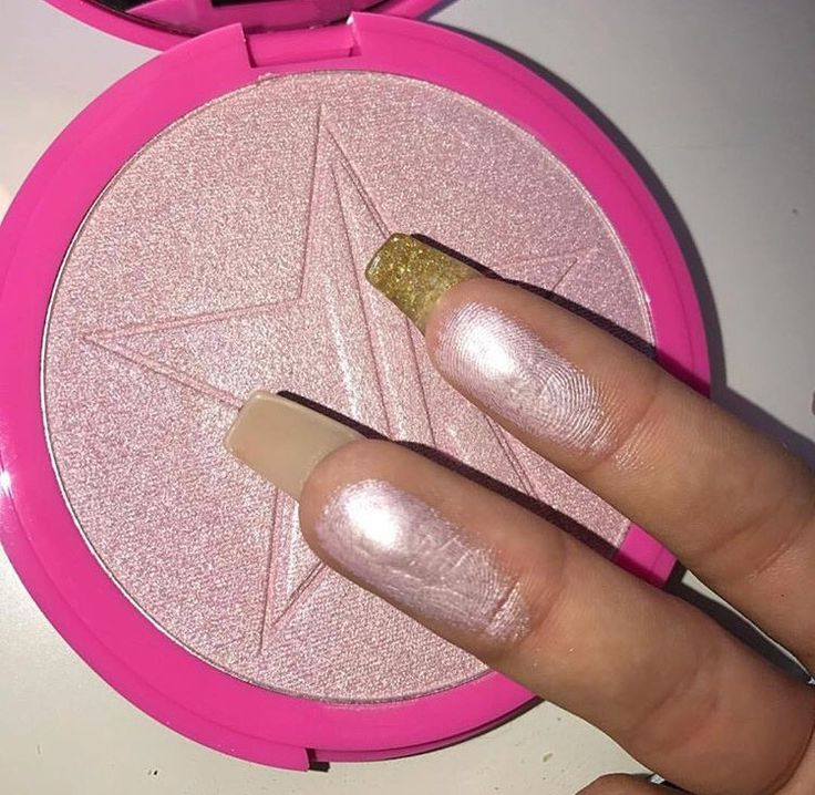Jeffree Star has never disappointed with his highlighters. Always insanely good pigment and formula. Plus you get a lot for your money.