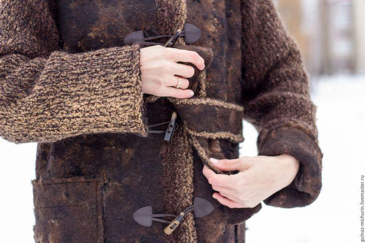 Купить или заказать Куртка- парка 'Прогулка в старом парке' в интернет-магазине на Ярмарке Мастеров. Комфортная, экологичная куртка-парка выполнена в сочетании флиса альпаки и ромни. Вязаные рукава и отделка капюшона. Очень тёплая и лёгкая. Длина рукава регулируется отворачивающимися манжетами. Два удобных накладных кармашка, На шёлковом подкладе. Совместная работа с талантливым мастером Асей Хакимовой…