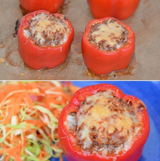 Skønne ovnbagte peberfrugter fyldt med hakket oksekød og smeltet ost. Simpelt og godt.
