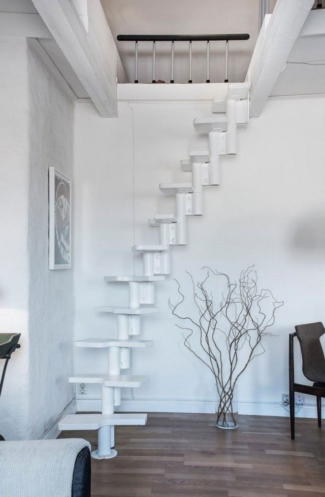 Raumspartreppe für kleine urbane Wohnungen-weiß geschwungene Stufen