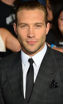 jai courtney - Eric on Divergent so handsome