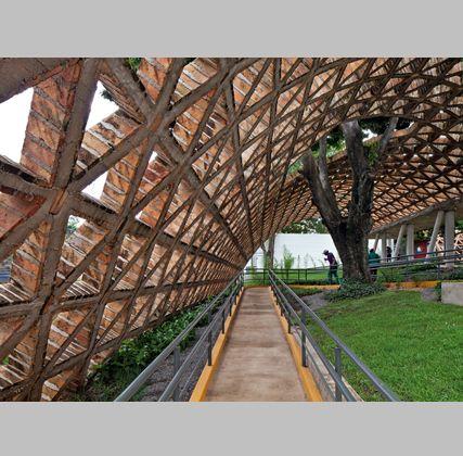 Geodesic-like brick vault - Arquitectura Viva. Revistas de Arquitectura - Noticias - Centro de Rehabilitación de Solano Benítez en Lambaré (Paraguay)