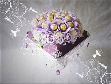 Ferraro rocher hantaran deep purple with bantal