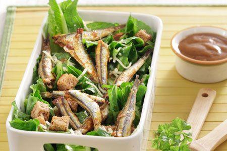 Caesar salad µε τραγανές σαρδέλες στο φούρνο χωρίς λάδι