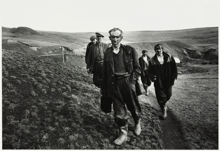 US photographer Bruce Davidson's iconic shots of 1960s South Wales coalfield up for sale - Wales Online