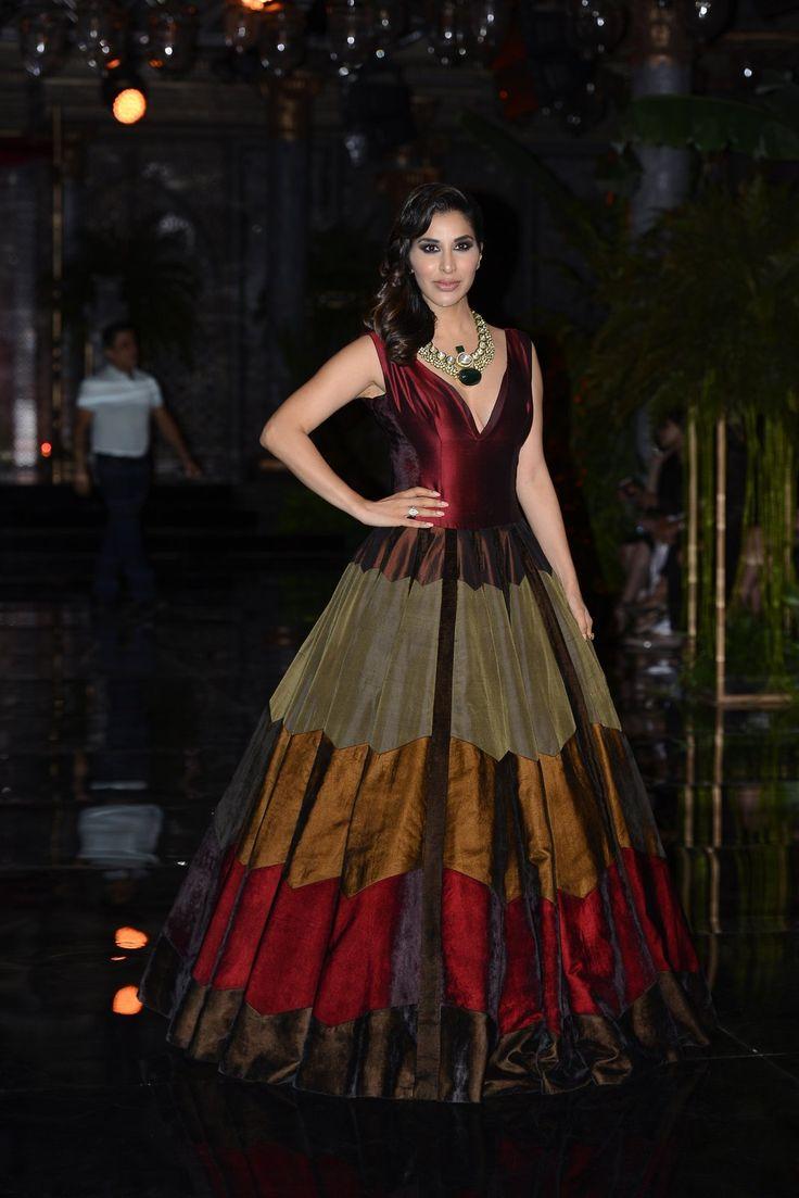 India Couture Week 2016 - Manish Malhotra #ICW2016 #ManishMalhotra #ThePersianStory #DeepikaPadukone #FawadKhan #SophieChaudhary