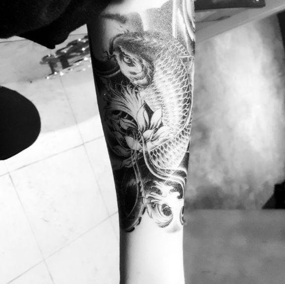 Black Fish Waterproof Temporary Tattoo