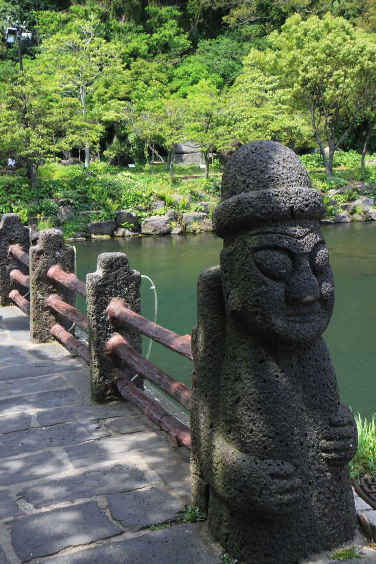 #Corée du Sud : sur l'île de #Jeju, près de #Seogwipo : #Cheonjiyeon Falls