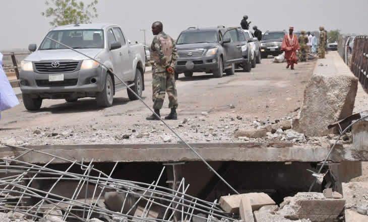 Lutte contre Boko Haram - Pont reliant N'Djamena au Cameroun : un axe commercial menacé - 03/04/2015 - http://www.camerpost.com/lutte-contre-boko-haram-pont-reliant-ndjamena-au-cameroun-un-axe-commercial-menace-03042015/?utm_source=PN&utm_medium=CAMER+POST&utm_campaign=SNAP%2Bfrom%2BCamer+Post