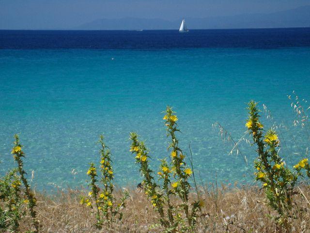 Sardinia beach mari-pintau
