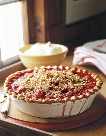 Fresh berry pie -- makes us impatient for summer ...