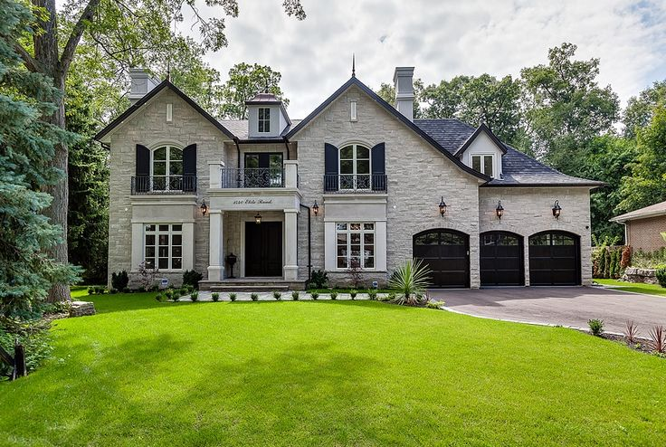 Custom home in Mississauga