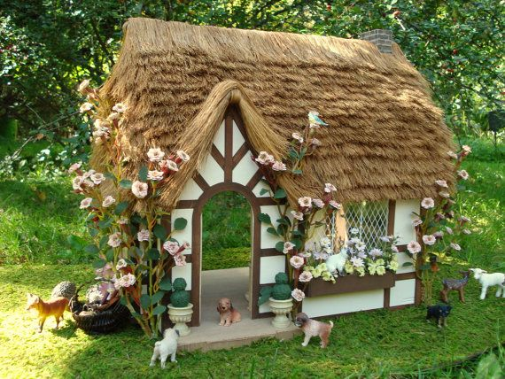 Fielding Cottage Thatch Roof Doll House By