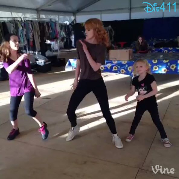"""Dis411 Video: Bella Thorne Dancing With Her """"Blended"""" Sisters June 12, 2013"""