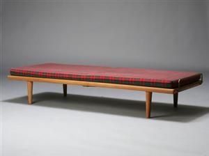 Køb og sælg moderne, klassiske og antikke møbler - H. J. Wegner. Daybed - DK, Aarhus, Egå Havvej