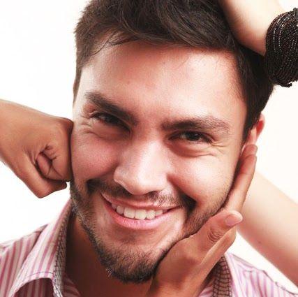 Jefree Carvajal, Director General del canal 18-50. Egresado de la Universidad Rafael Landívar y actualmente catedrático de la misma.