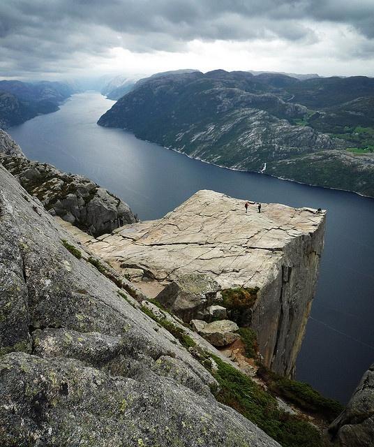 Preikestolen: Rocks Bi, Preikestolen Cliff, Favorite Places, Preikestolen Amazing, Beautiful Places, Amazing View, Fantastisk Preikestolen, Preikestolen Norway, Photo
