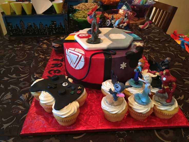 Disney infinity cake side view