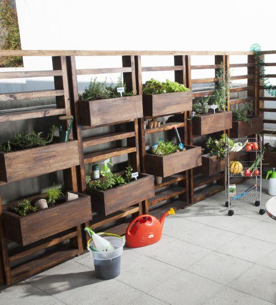 42 best huerto urbano vertical images on pinterest for Jardines para espacios pequenos