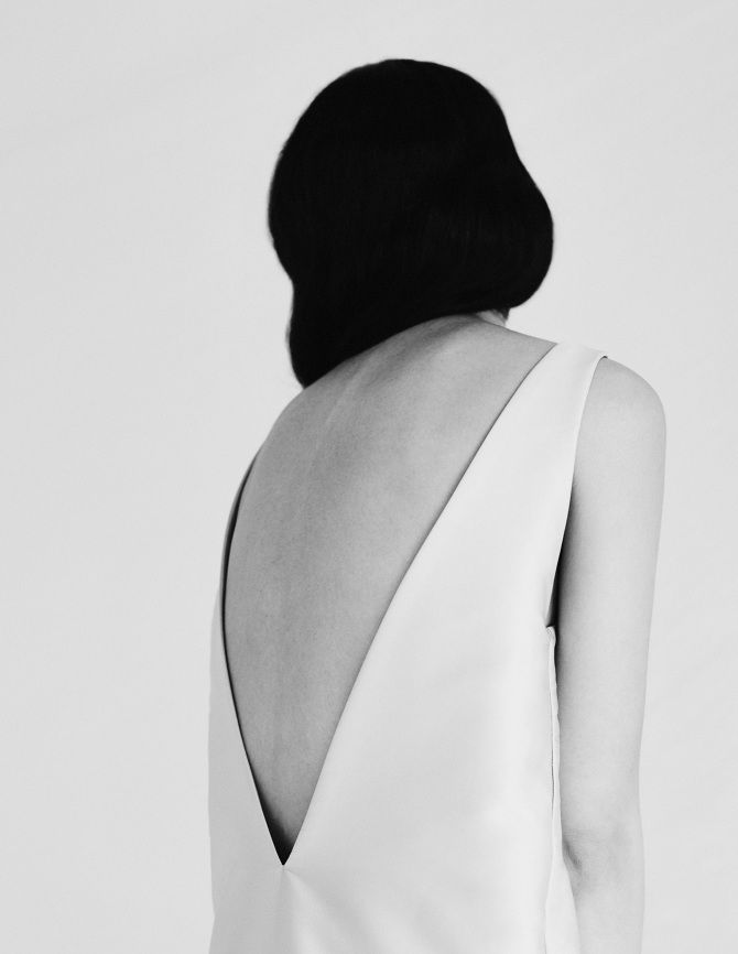 Sleek Simplicity - minimal dress with open back detail; minimalist fashion editorial // Ph. Nocera & Ferri