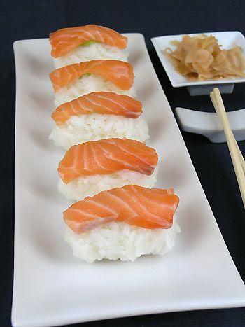 Nigiri-zushi z łososiem