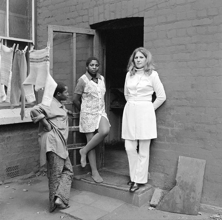David Goldblatt Three women at 39 Soper Road, Berea, Johannesburg, May 1972 silver gelatin print on fiber-pressed paper Courtesy of David Goldblatt and the Goodman Gallery, Johannesburg