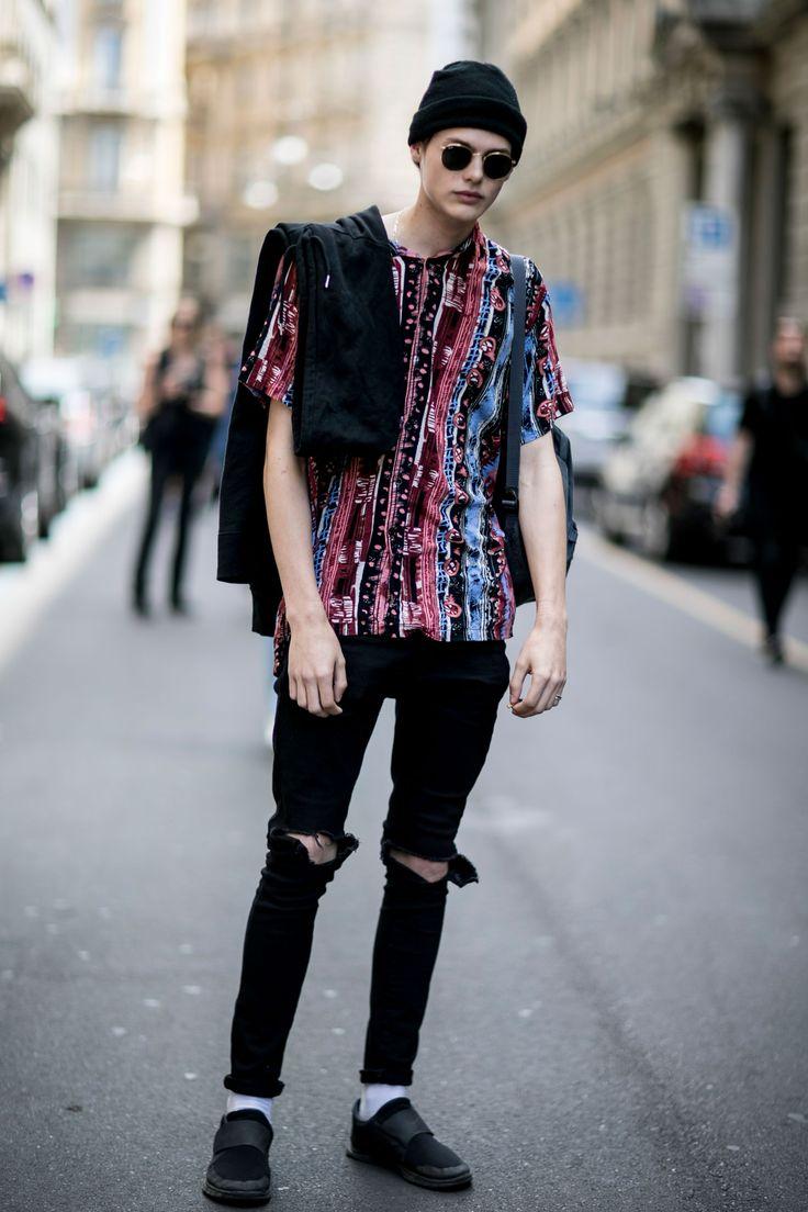 2016-08-11のファッションスナップ。着用アイテム・キーワードはサングラス, スニーカー, ニットキャップ, 黒パンツ, Tシャツ,Nike(ナイキ)etc. 理想の着こなし・コーディネートがきっとここに。| No:156881
