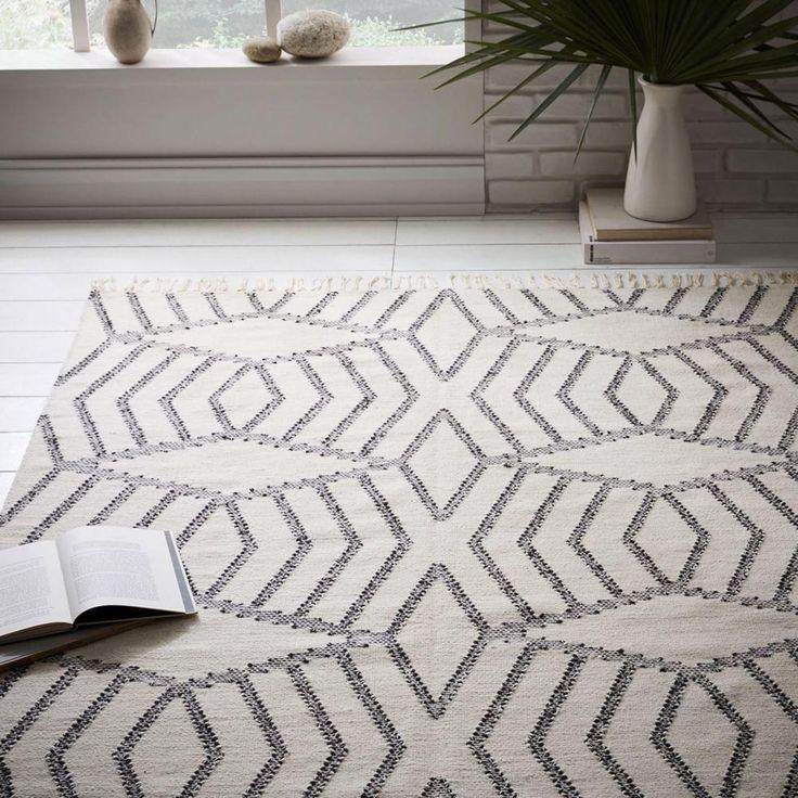 Diamond Stripe Wool Dhurrie - Ivory