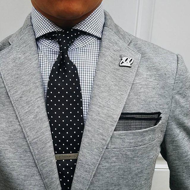 Grey jacket & dots. #winter #Elegance #Fashion #Menfashion #Menstyle #Luxury #Dapper #Class #Sartorial #Style #Lookcool #Trendy #Bespoke #Dandy #Classy #Awesome #Amazing #Tailoring #Stylishmen #Gentlemanstyle #Gent #Outfit #TimelessElegance #Charming #Apparel #Clothing #Elegant #Instafashion