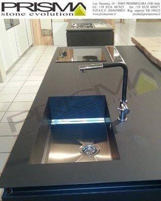 #Prisma #Stone #Evolution #HPL #EXPO #Cucina #Cucine #Piani #Top #Design #Arredamento #Interni #InteriorDesign #Lavelli #Fondo #Inox