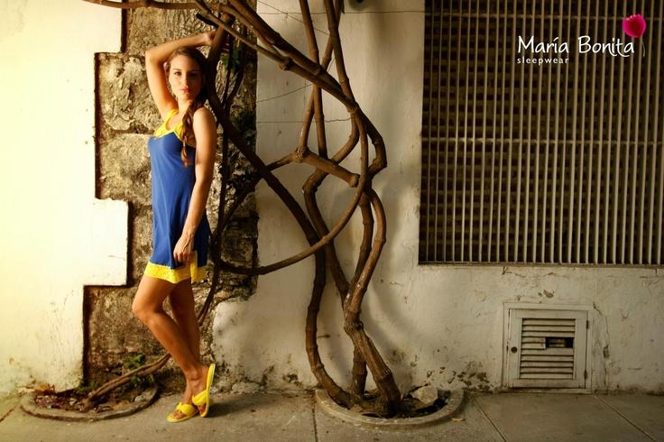 Todas nuestras prendas son confeccionadas en Colombia...cada Maria Bonita incluye pantuflas y un lindo empaque en tela multiusos que podrás llevar siempre contigo en tus viajes, closet o en la cartera!