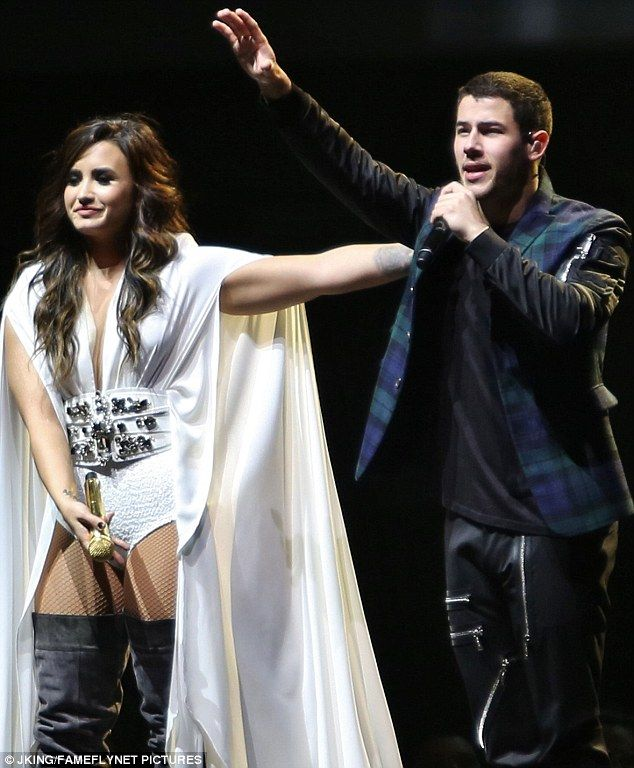 Bombshells in British Columbia: On Wednesday, Demi Lovato and Nick Jonas performed together in Vancouver's Rogers Arena as part of their Future Now Tour