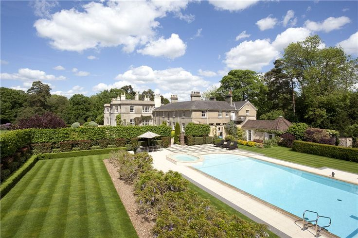 £9m Property for sale - The Park, Codicote, Hertfordshire, SG4 | Knight Frank.  Ultra Primus
