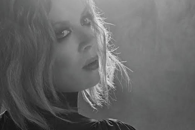 <p>Looking back on two decades of kinky pop thrills with Shirley Manson – iconic Garbage singer and former VIVA GLAM spokeswoman</p>
