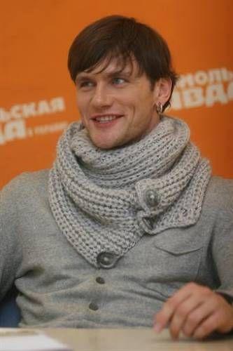Серый мужской шарф