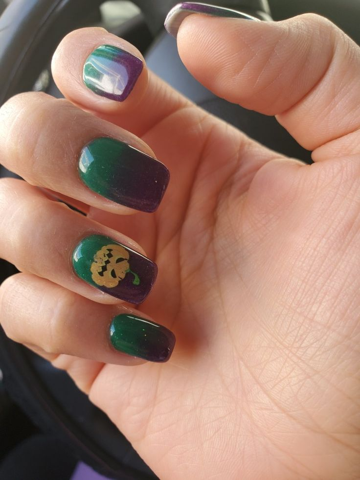 Halloween purple and green dip powder | Nail designs ...