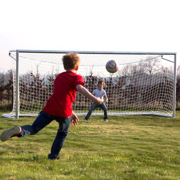 Avynan jalkapallomaalia on saatavilla nyt myös 4m x 2m koossa! Näyttävä maali joka sopii niin koti kuin seurakäyttöön!