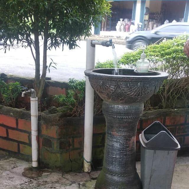 Pin Su Pot Bunga Beton Unik