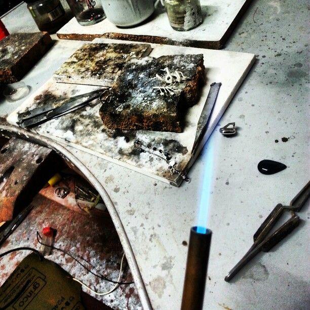 ...si lavora...saldiamo!!! :-D #saragrecogioielli #handmade #sgg #goldsmith   www.saragrecogioielli.com